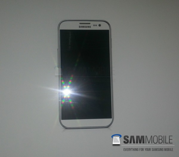 samsung-galaxy-s-iv-first-shot-leaked
