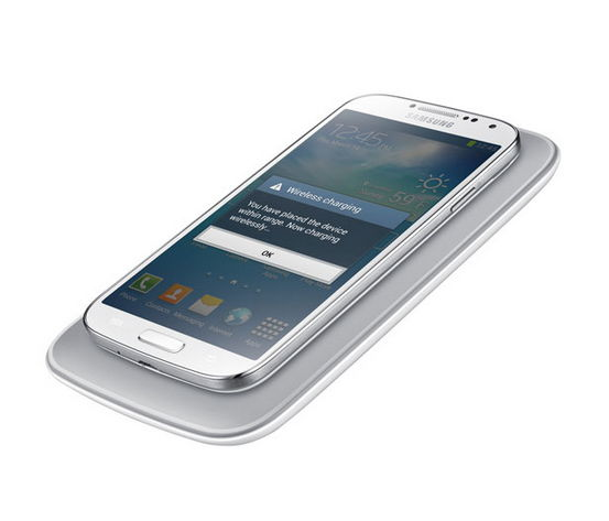 samsung-wireless-charging-kit-for-galaxy-s4