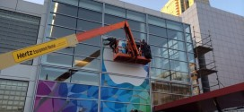 apple-logo-banner-at-yerba-buena-for-next-week-event