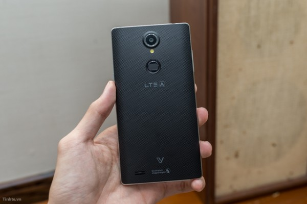 pantech-vega-pop-up-note-a920s-hands-on-1