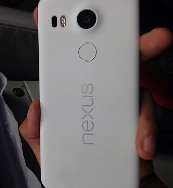 lg-new-nexus-leaked-in-wild-2
