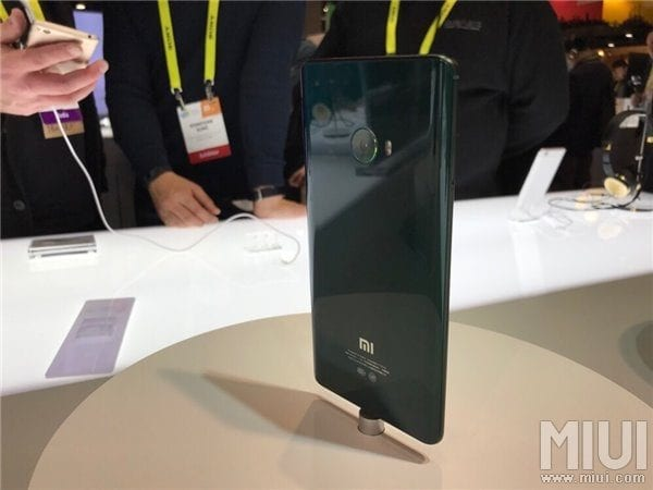 mi-note-2-green-and-purple-ver-in-ces-2017-1