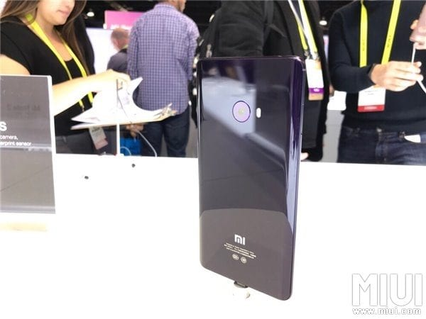 mi-note-2-green-and-purple-ver-in-ces-2017-7